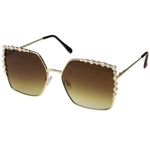 Betsy's Johnson sunglasses. Fendi dupe